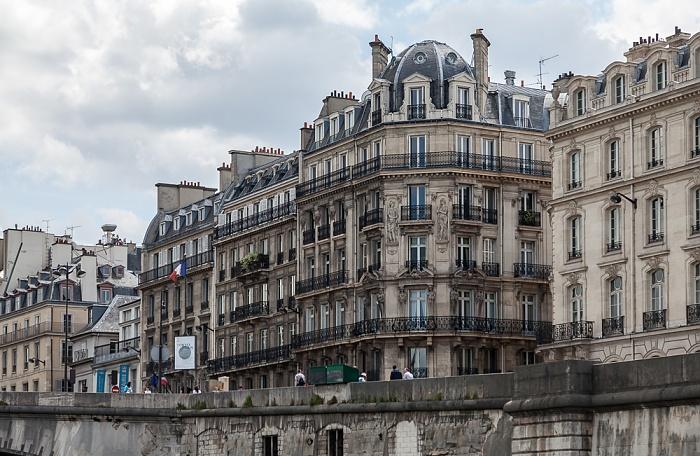 Paris Quai Voltaire