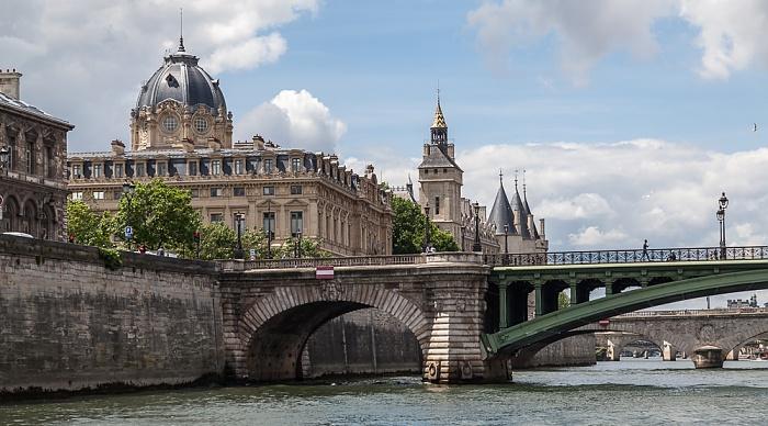 Seine, Pont Notre-Dame, Île de la Cité mit dem Tribunal de commerce (Handelsgericht) und dem Palais de Justice (Justizpalast) Paris