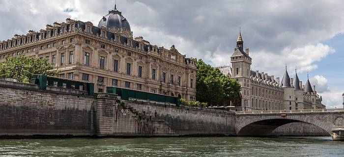 Seine, Île de la Cité mit dem Tribunal de commerce (Handelsgericht) und dem Palais de Justice (Justizpalast) Paris