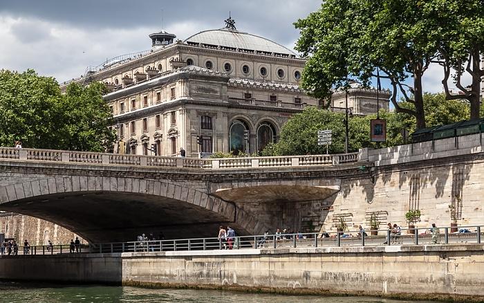 Seine, Pont au Change, Parc Rives-de-Seine, Théâtre du Châtelet Paris