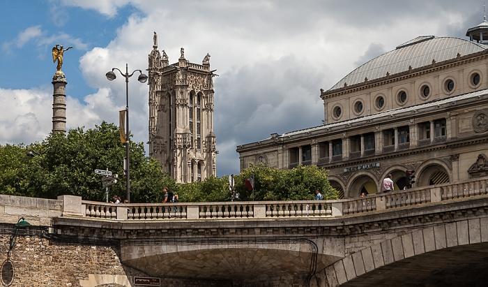 Seine, Pont au Change, Fontaine du Palmier, Tour Saint-Jacques, Théâtre de la Ville Paris