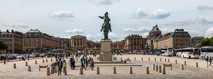 Place d'Armes mit dem Reiterstandbild von Ludwig XIV., Schloss Versailles (Château de Versailles)