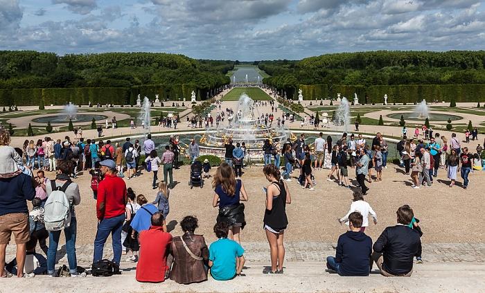 Parc de Versailles: Jardin de Versailles - Parterre de Latone mit dem Bassin de Latone