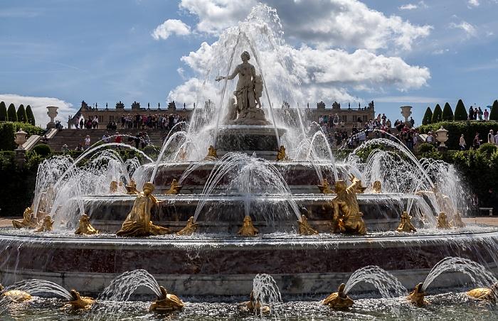 Parc de Versailles: Jardin de Versailles - Parterre de Latone mit dem Bassin de Latone Château de Versailles