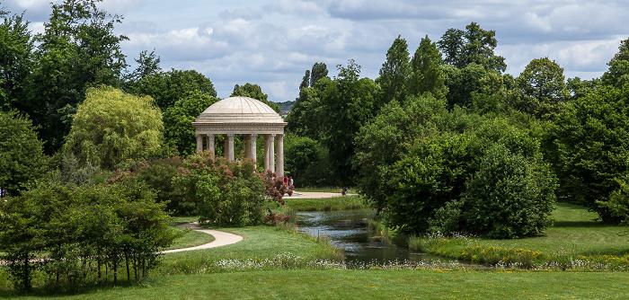 Versailles Jardin anglais mit dem Belvédère (Pavillon du rocher)