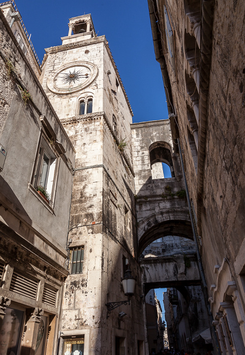 Split Altstadt (Grad): Ispod ure