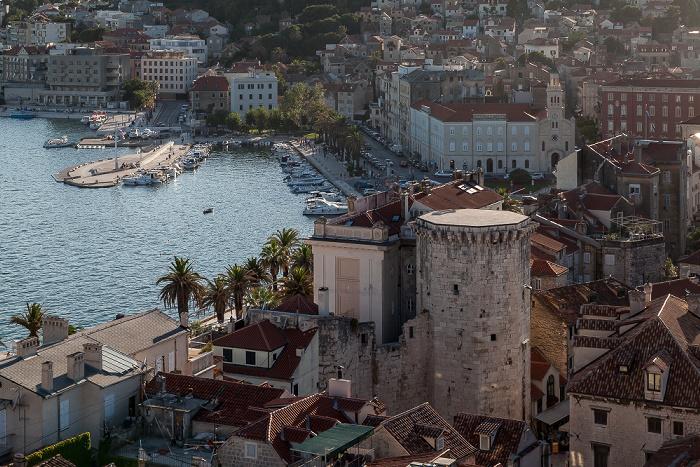 Split Blick vom Turm der Kathedrale des Heiligen Domnius: Altstadt (Grad), Hafen Mletačka kula