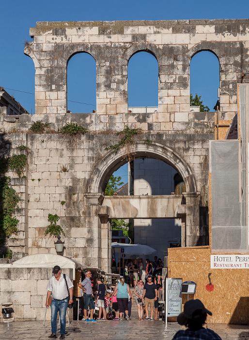 Split Altstadt (Grad): Diokletianpalast - Silbernes Tor (Porta Orientalis)