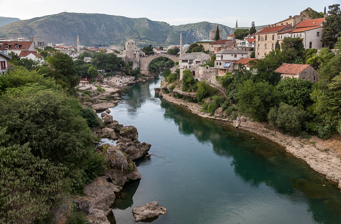 Mostar Blick von der Lučki most: Neretva Alte Brücke