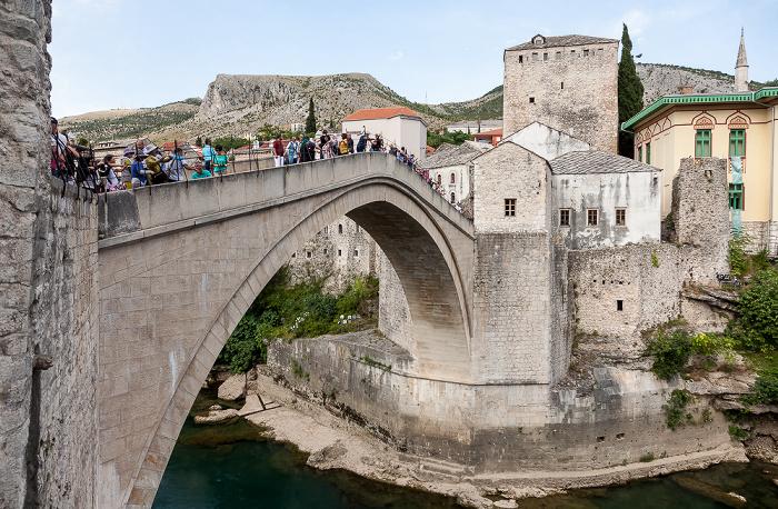 Mostar Altstadt: Alte Brücke (Stari most) Neretva