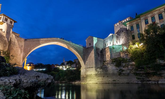 Mostar Altstadt: Alte Brücke (Stari most) über die Neretva