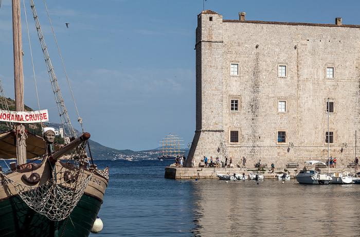 Altstadt (Grad): Stadthafen, Festung Sv. Ivan, Adriatisches Meer (Mittelmeer) Dubrovnik
