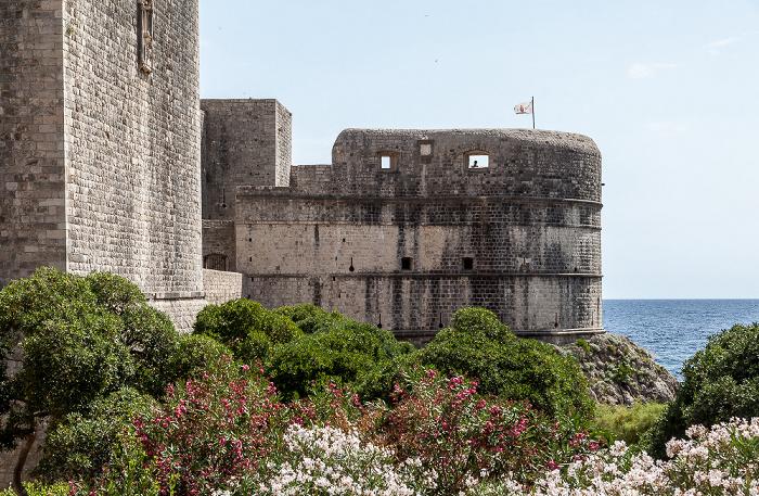 Dubrovnik Altstadt (Grad): Stadtmauer mit der Festung Bokar