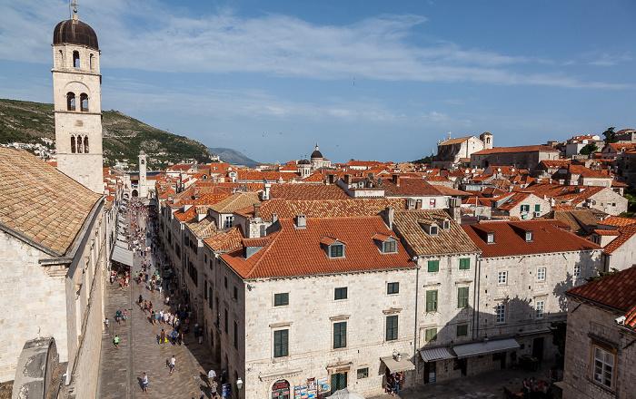 Dubrovnik Blick von der Stadtmauer: Altstadt (Grad) Franziskanerkloster Placa (Stradun)