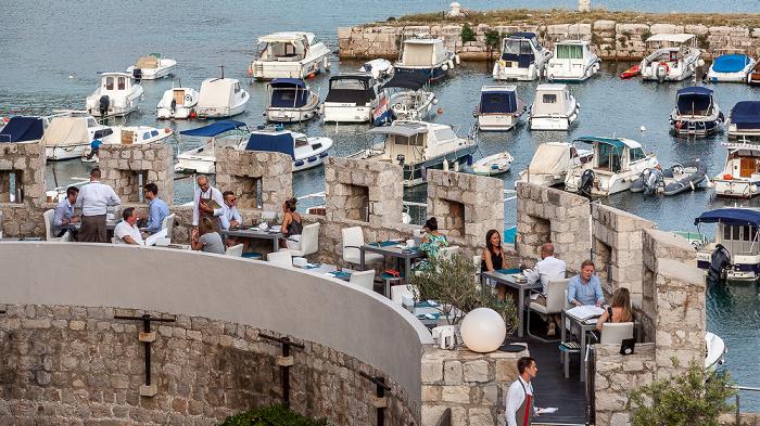 Blick von der Stadtmauer: Altstadt (Grad) mit Stadthafen Dubrovnik