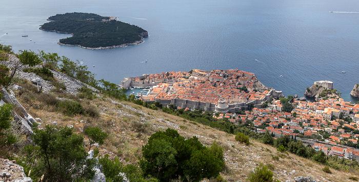 Blick vom Brdo Srđ: Adriatisches Meer (Mittelmeer) mit Lokrum und Altstadt (Grad) Dubrovnik