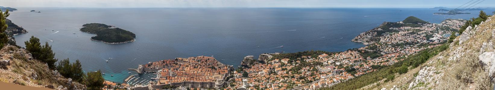 Blick vom Brdo Srđ: Adriatisches Meer (Mittelmeer) mit Lokrum, Altstadt (Grad) Dubrovnik