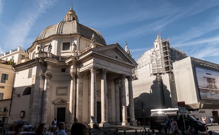 Piazza del Popolo: Basilica di Santa Maria in Montesanto Rom