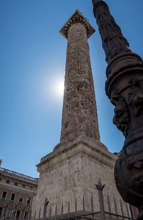Rom Piazza Colonna: Colonna di Marco Aurelio (Columna Centenaria Divorum Marci et Faustinae, Mark-Aurel-Säule)