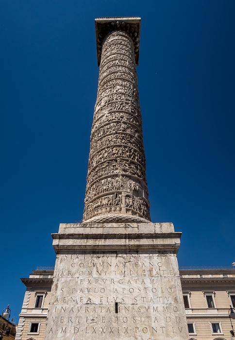 Piazza Colonna: Colonna di Marco Aurelio (Columna Centenaria Divorum Marci et Faustinae, Mark-Aurel-Säule) Rom