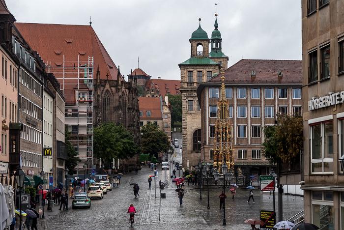 Nürnberg Hauptmarkt Altes Rathaus Neues Rathaus Schöner Brunnen