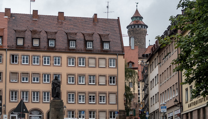 Nürnberg Sebalder Platz Sinnwellturm