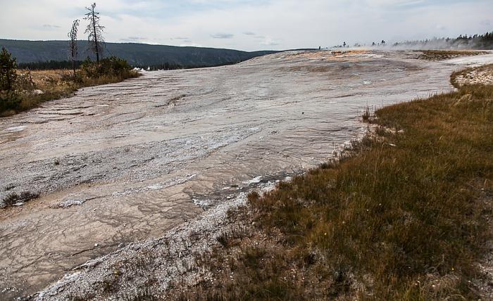 Yellowstone National Park Upper Geyser Basin: Geyser Hill - Giantess Geyser