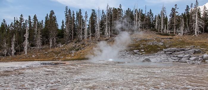 Yellowstone National Park Upper Geyser Basin: Grand Group - Grand Geyser