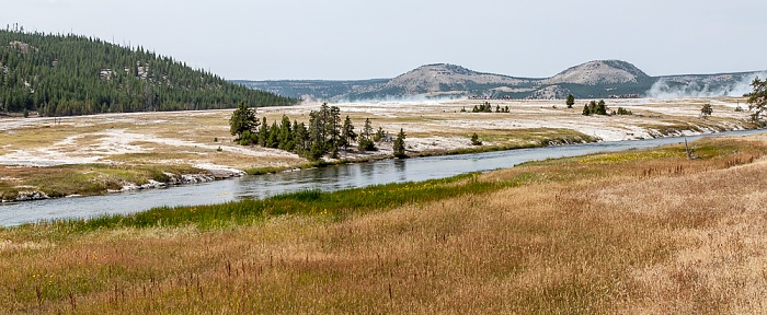 Midway Geyser Basin, Firehole River Yellowstone National Park