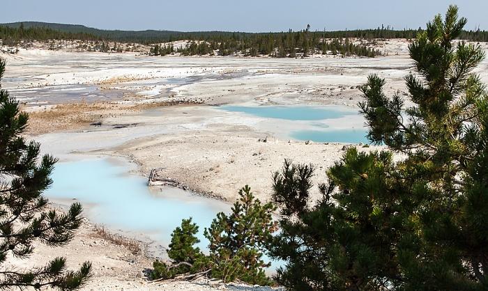 Norris Geyser Basin: Porcelain Basin Yellowstone National Park