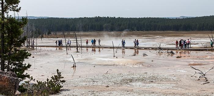 Yellowstone National Park Lower Geyser Basin: Fountain Paint Pot