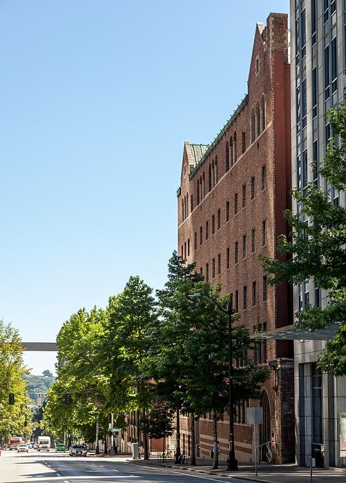 Downtown Seattle: 4th Avenue - Downtown Seattle YMCA Seattle