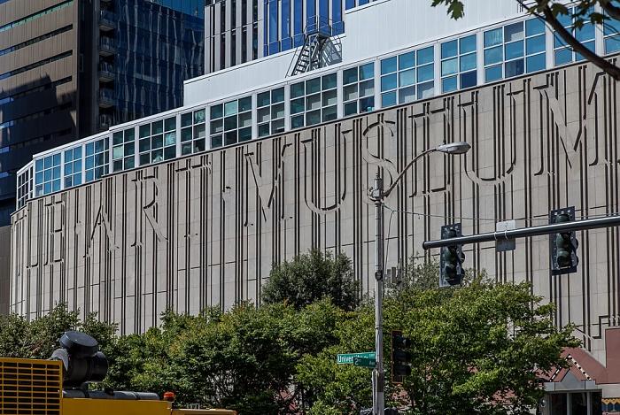 Downtown Seattle: University Street / 2nd Avenue - Seattle Art Museum