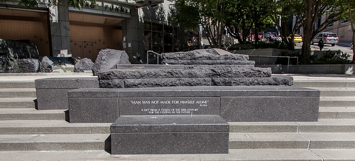 Downtown Seattle: 2nd Avenue - Garden of Remembrance