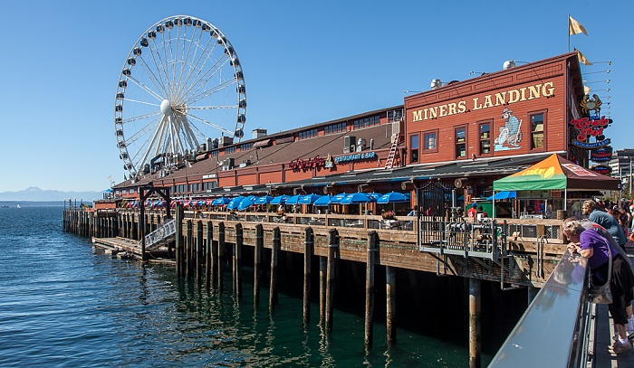 Central Waterfront: Pier 57 - Miners Landing und Seattle Great Wheel Seattle