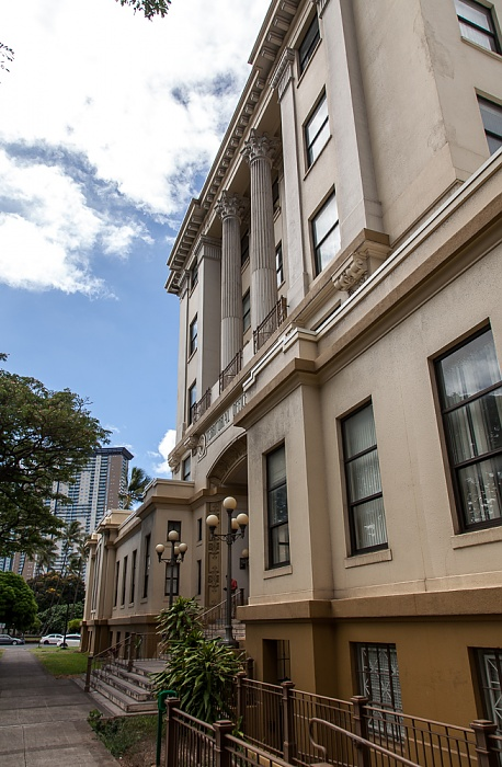 Downtown Honolulu: Hawaii Capital Historic District - Hawaii Judiciary Building
