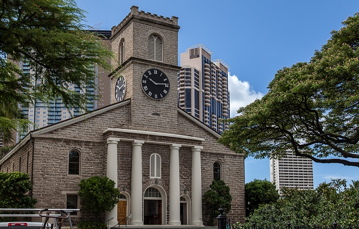 Downtown Honolulu: Hawaii Capital Historic District - Kawaiaha'o Church 801 South Street Towers Keola Lai