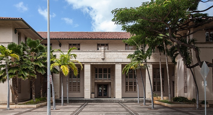 Downtown Honolulu: Hawaii Capital Historic District - Hale Auhau