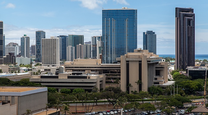 Blick vom Aloha Tower: Downtown Honolulu One Waterfront Towers Prince Kuhio Federal Building