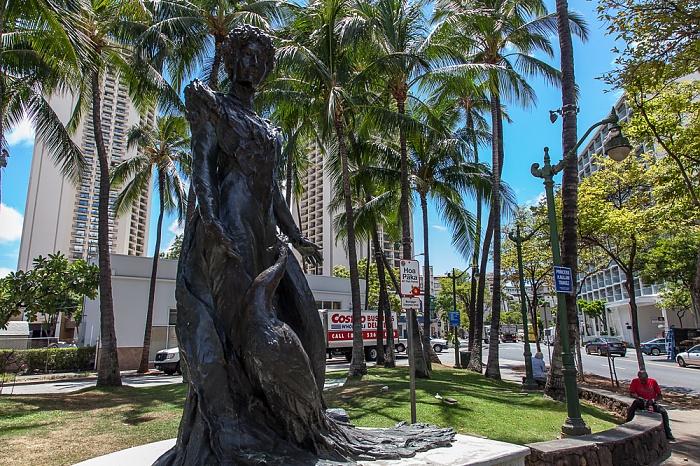 Waikiki: Kaiulani Avenue / Kuhio Avenue - Princess Kaiulani Statue Honolulu