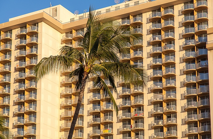 Waikiki: Kalakaua Avenue Honolulu