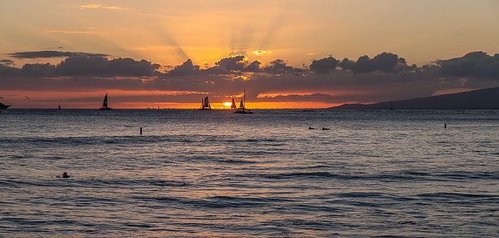 Honolulu Blick von der Kapahulu Groin (Waikiki Wall): Pazifik