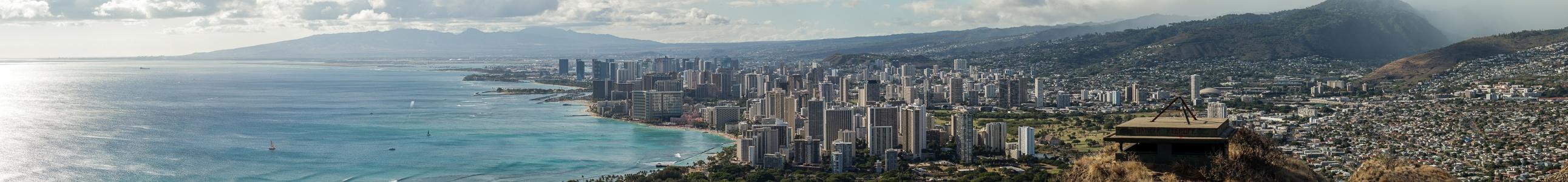 Blick vom Diamond Head: Pazifik und Honolulu Honolulu