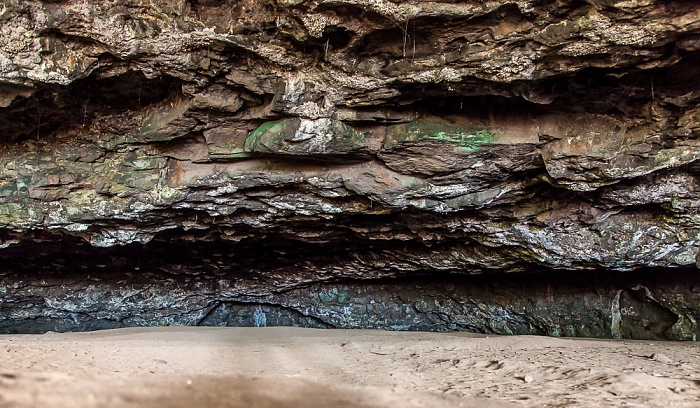 Maniniholo Dry Cave Hanalei