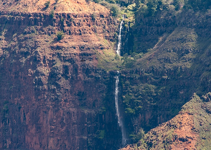 Waimea Canyon State Park Blick vom Waimea Canyon Lookout: Waimea Canyon - Waipo'o Falls