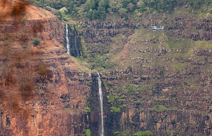 Waimea Canyon State Park Blick von der Kokee Road: Waimea Canyon - Waipo'o Falls