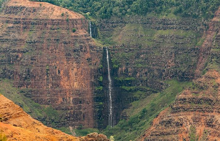 Blick von der Kokee Road: Waimea Canyon - Waipo'o Falls Waimea Canyon State Park