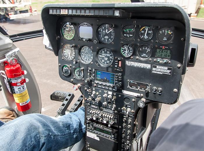 Lihue Airport: Hubschraubercockpit