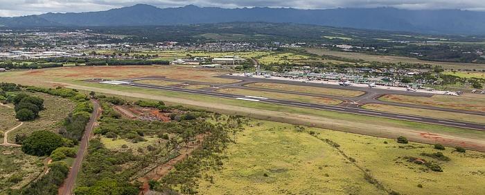 Blick aus dem Hubschrauber: Lihue und Lihue Airport Kauai