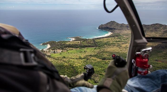 Blick aus dem Hubschrauber: Pazifik Kauai